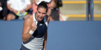 Flavia Pennetta esulta durante il match contro Petra Cetkovska